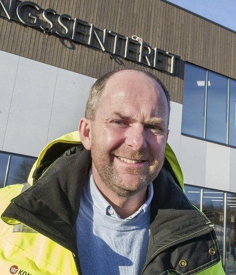 STRÅLENDE FORNØYD: Senterleder Lasse Ellingsen.