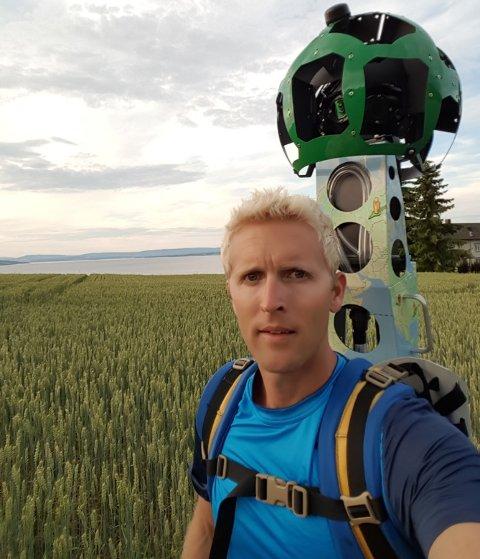 Mats Reinsby har sørget for at Google Street Views millioner av brukere kan gå på digital tur i blant annet Totenvika og til Spåtind.
