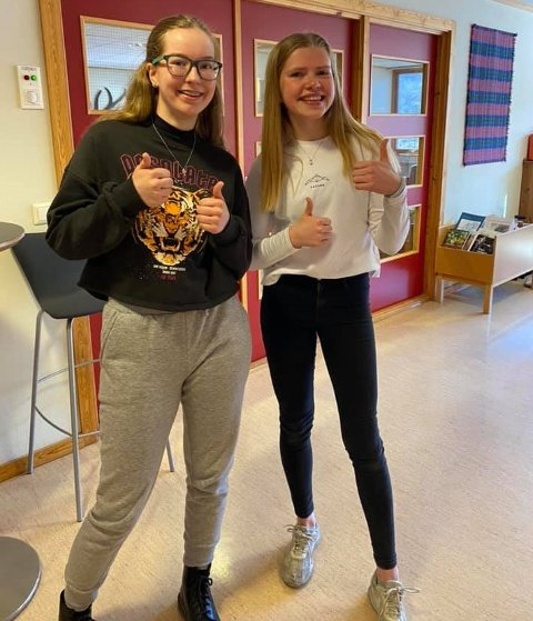 FINALELAGET: Kathrine Solly Tjernslien og Marte Nilsdotter Garvik endte til slutt på tredjeplass i landsfianalen.