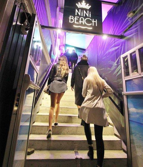 Nini Beach velger å holde stengt deler av året i Fredrikstad, men leverer likevel millionoverskudd.