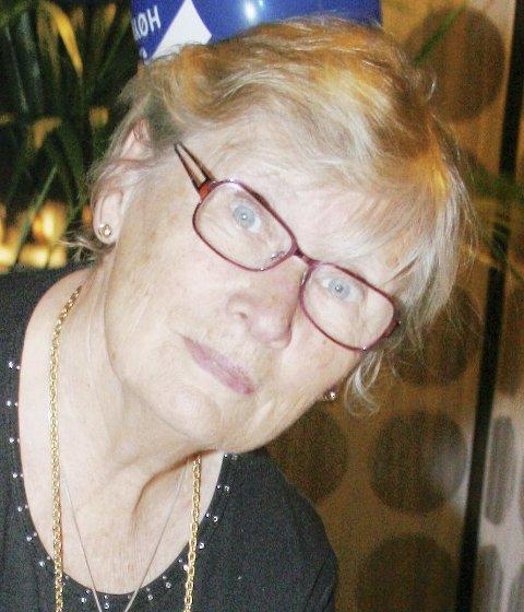 RYSTET: Lola Stormorken (H) stiller spørsmål.