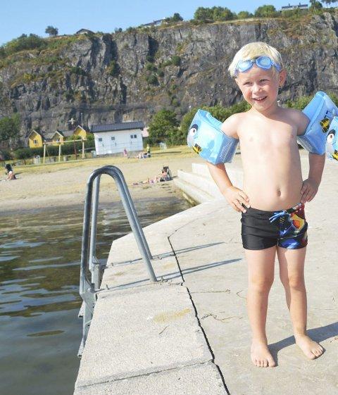 Bra badevann: Vannet ved Dulpen anses som god kvalitet for å bade i. Det viser målinger Miljørettet Helsevern gjorde før helgen. Begge foto: arkivfoto