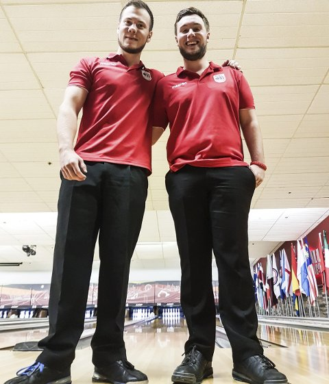 Martin M. Sikbakke (til venstre) og Øyvin Kulseng fra Ringerike Bowlingklubb måtte reise hjem fra U21-VM uten de resultatene de hadde håpet på. Men mesterskapet var en viktig erfaring for dem.