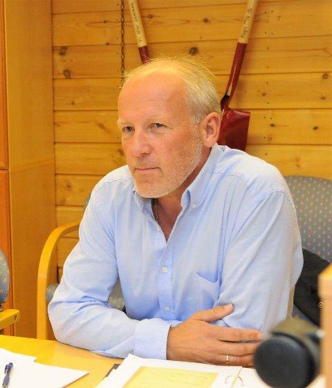 Ikke myndighet: - Etter vår vurdering har ikke formannskapet myndighet i loven eller via delegasjon fra kommunestyret til å gjøre endelig vedtak om å godkjenne tiltak i strid med arealplanen, sier kommunalsjef Åge Sandsengen.