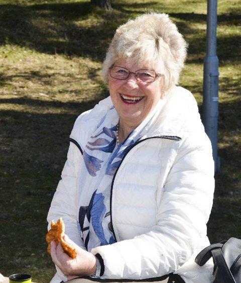 Jubilanten: Dette er hyggelig det, og så håper jeg det blir en tur på hytta med damene i sommer, sier Randi Pedersen.