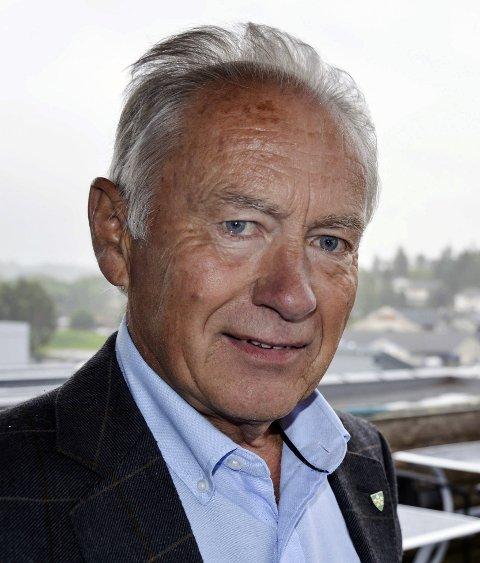 MOT TØNSBERG: Ordfører Thorvald Hillestad speider mot Tønsberg. Etter spørreundersøkelsen har han lagt Horten bak seg.