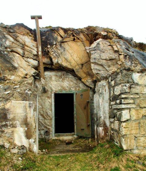 FRA KRIGEN: Dette er et bunkeranlegg som tyskerne bygde på Evenestangen under krigen.Arkivfoto