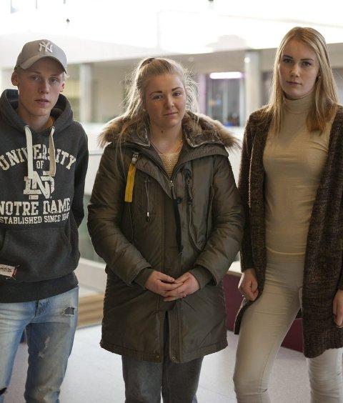For og imot: Håkon Moen (17), Line Jahn Øverby (17) og Vilde Langvandsbråten (18) sier hva de mener.