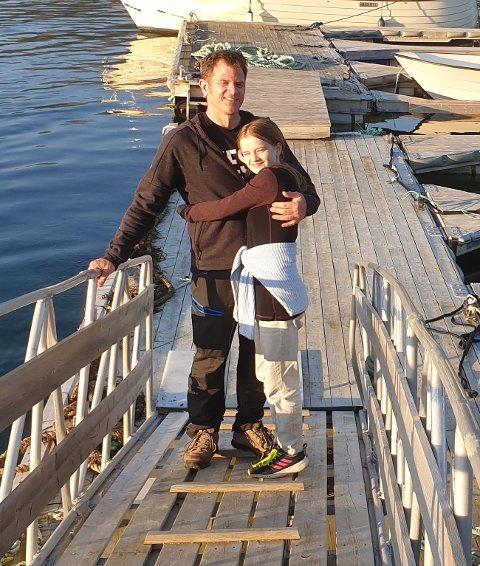 STOPPET: Robin Seidel og Siri Seidel-Kristoffersen måtte se transporten mellom Evenes og Kjeldebotn dra av gårde uten dem.