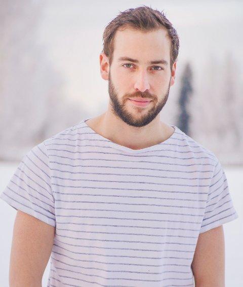 KOMMER MED KRITIKK: Skuespiller og kreativ podusent, Glenn Luijbregts, mener kommunen prioriterer feil.