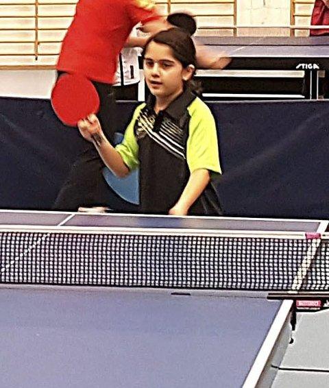 UNG: Sara Isa Hussein (8) fra Askim BK i aksjon.