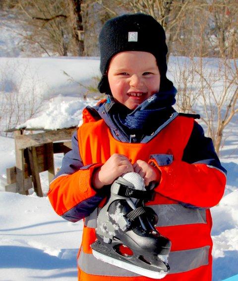 Axel Risa (4) deler navn med en legende innen skøytesporten.