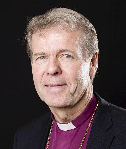 LEDER SEREMONIEN: Per Arne Dahl fra Vikersund og tidligere biskop, skal forrette under bisettelsen av den folkekjære artisten Jahn Teigen.