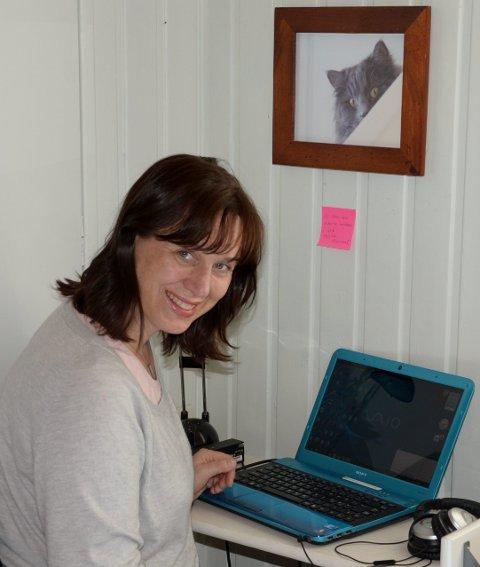BØLERFORFATTER: Tyra Teodora Tronstad i arbeidskroken i kunstnerboligene på Bøler. Arkivfoto: Nina Schyberg Olsen