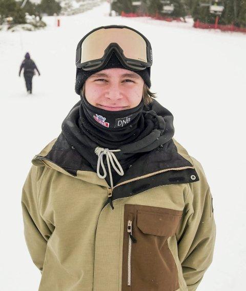 Freeski-utøver Ferdinand Dahl (18) fra Myrvoll hevder seg allerede i verdenstoppen i Big Air.