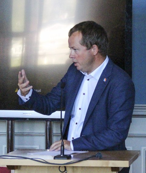 Knockout: Ordfører Robin Kåss sendte Espen Rostrup Nakstad i kanvasen i onsdagens vaksinedebatt på Dagsnytt 18.