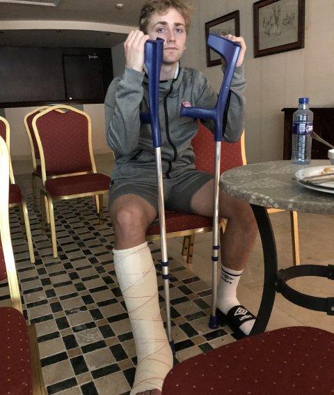 På krykker: Ulrich Ness må operere i leggen etter bruddskaden han pådro seg søndag. FOTO: ESPEN OLSEN
