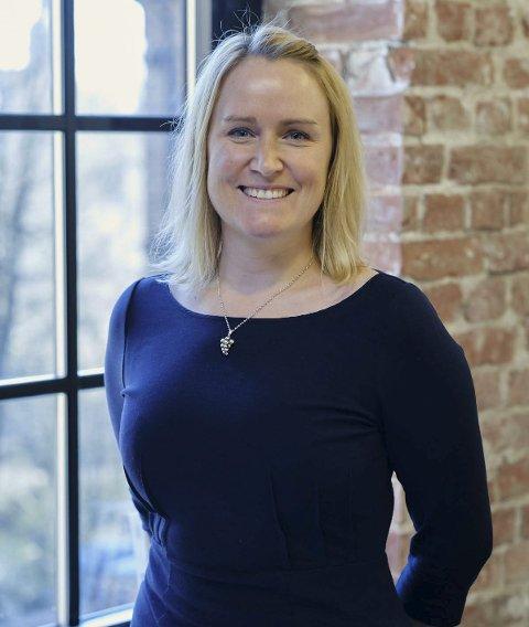 HØY KOMPETANSE: Heidi Iren Hansen har tidligere jobbet blant annet på Smaalenene Hotell og Refsnes Gods. Nå er hun vinansvarlig på Kulinarisk Akademi i Oslo. FOTO: KULINARISK AKADEMI