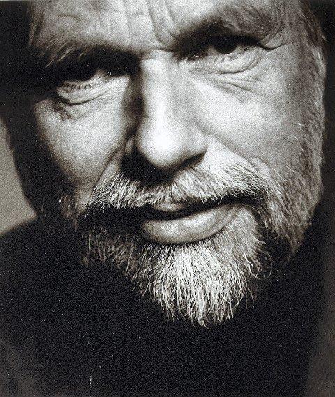 Forfattermøte: Jan Mehlum kommer til Sætre gård i kveld for å snakke om sin siste bok «To komma åtte sekunder».
