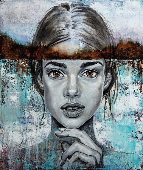 MALER MENENSKER: Mona Lien er mest kjent for siden store portretter. Nå har hun separatutstilling på Varmbadet i Drøbak.
