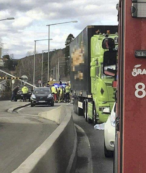 ULYKKESSTEDET: Dødsulykken skjedde på Mosseveien ved av- og påkjøringen til Ulvøya. Foto: Svend Ole Kvilesjø