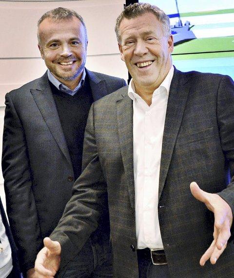 BANKAVTALE: Odd Einar Folland (t.h.) i Sparebank1 Nordvest er godt fornøyd med å bli valgt av Kristiansund kommune . Her sammen med ordfører Kjell Neergaard. (Arkivfoto)