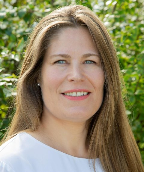 Hjelpetelefon: - Vi håper å bidra til å hjelpe bedrifter gjennom denne vanskelige tiden, sier fylkesråd for plan og næring i Nordland, Linda Helen Haukland.