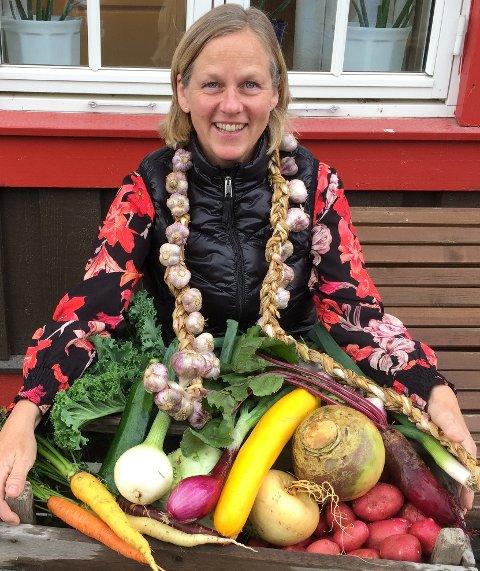 Anne Knutsen er en ivrig pådriver for markedsdagene. Her med et lite utvalg fra årets avling.