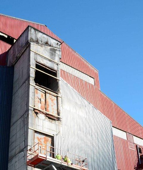 FIKK PENGER: Nylig ble det bevilget ca 700.000 kroner til oppgradering av fasaden på ovn 3, påepeker Jan Gravdal.