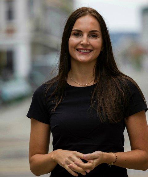 EIENDOMSMEGLER: Tonje Helvig fra Egersund stortrives i storbyen Bergen, hvor hun jobber som eiendomsmegler.