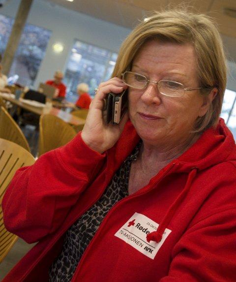 TRAVELT: Det er mange telefoner hver dag for aksjonsleder Eli-Anne Stenhaug. foto: tom arild dahl