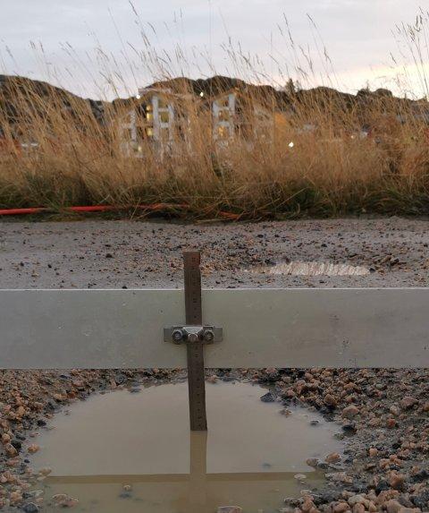 LITE GRUS: Vestvågøy kommune mener vedlikeholdet på Kræmmervikveien er mangelfull.