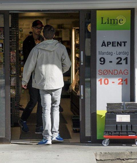 AKSJONERTE: 9. september 2014 gikk politi og andre kontrollmyndigheter til aksjon mot en rekke Lime-butikker.