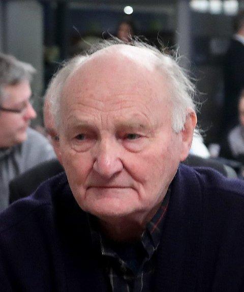 SITTER I DAG: Kjell Sandanger har vært  kommunestyrerepresentant for Asker Pensjonistparti i inneværende periode.
