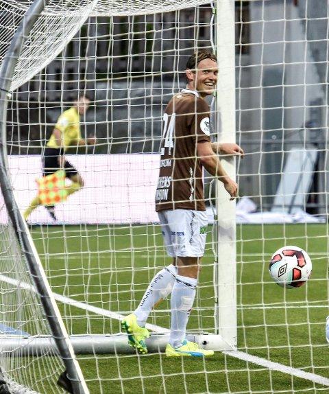 15 sekunder: Det var tiden Thomas Sørum brukte på å kjippe seg inn i de brunes hjerter.