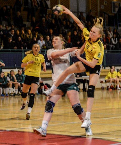 MÅLTYV: Maja Furu Sæteren scoret ett av sin ni mål mot Våg.
