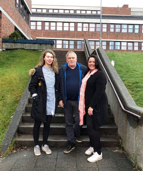 HANDLEHJELP: Vestvågøy Rødt mener Vestvågøy gir dårlig eldreomsorg når hjelp til å handle mat kuttes 4. mars. Fra h. Listetopp Linda Amundsen, Einar Berg-Hansen og Paula Lorentzen.