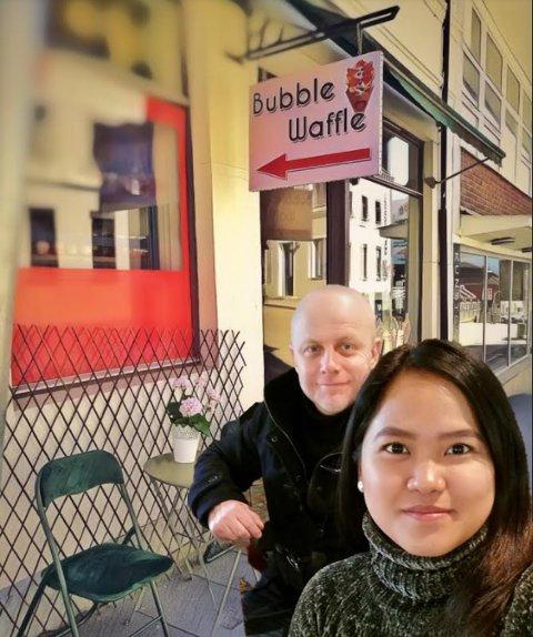 Mea Aguilar-Karlsen og ektemannen Terje Karlsen gjør stor suksess med vafler og søtsaker på Hamar. Snart er de på plass i Brumunddal.