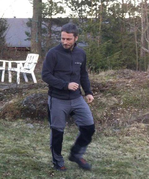 De pårørende har opplyst at den savnende mest trolig hadde på seg denne jakka da han forlot hytta i tillegg til en sort treningsbukse. FOTO: PRIVAT