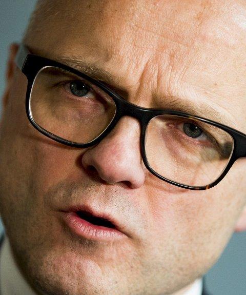 Utreder: Klima- og miljøminister Vidar Helgesen.