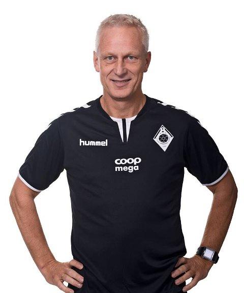 Jens Olav Nordanger har vært i håndballklubben i tolv år. Han trekker frem opprykket til førstedivisjon som det største i sin periode.