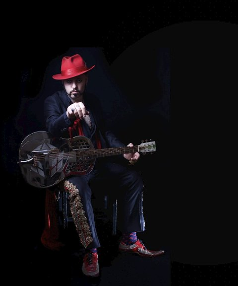 Paul-Ronney Angel spiller på Gilles Garden på tirsdag og på konserten til Arvid Martinsen på torsdag.