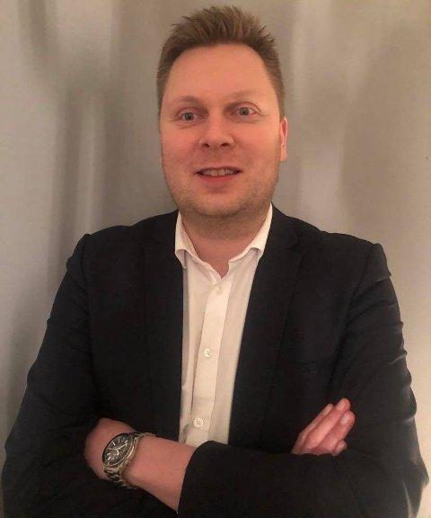 PROVOSERT: Frp-politiker Johan Nordbøe er forbannet på demonstrantene som gikk til angrep på politiet.