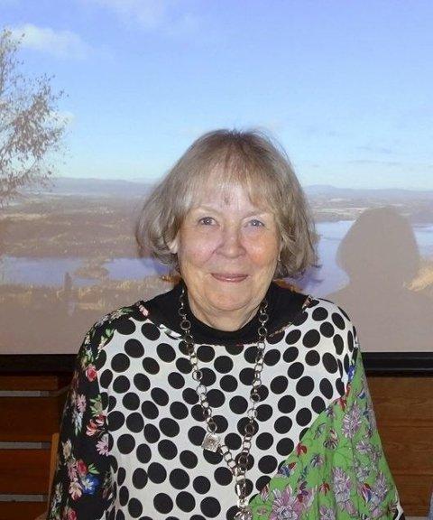HOLDER FOREDRAG: Pensjonert førstelektor i kunstfag Bodil Gusgaard