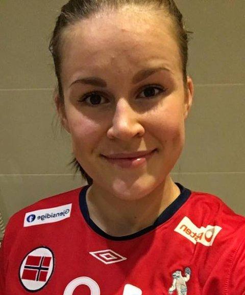 Martine Moen debuterte for Norges rekruttlandslag i håndball tirsdag kveld.