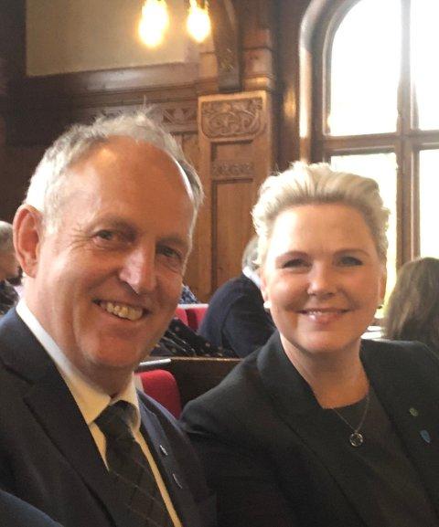 Fylkesrådene Olav Skinnes og Anne Beathe Tvinnereim, Senterpartiet. (Foto: Privat)