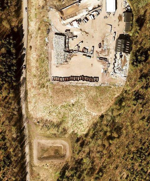 SIGEVANNSDAM: Ligger rett nedenfor det nedlagte avfallsdeponiet på Nordre Foss. Foto: gule sider kart