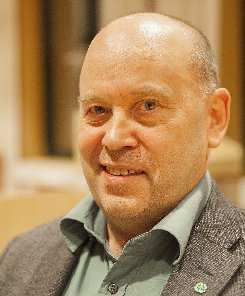 Svein Nilsen (Sp) stemte for et salg av Evenes Kraftforsyning til Hålogaland kraft. Han mener salget er godt for kommunen. Om handelen er vurdert opp mot EFTAs regelverk, ønsker han ikke å kommentere.