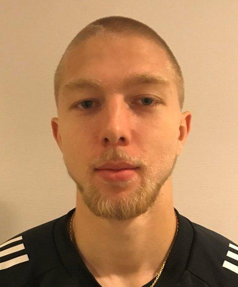 FRA UKJENT TIL KJENT: Fredrik Holmé gjorde seg raskt populær på Jessheim søndag. Få dager i forveien visste de færreste hvem 19-åringen var.