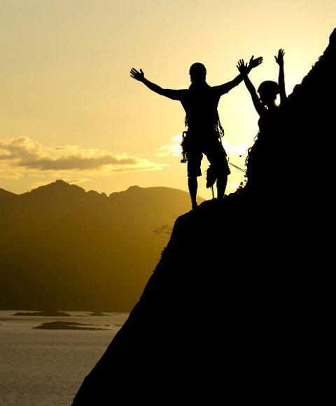 Jubel: På toppen av fjellet kan du strekke ut hendene og juble! Foto: Espen Mortensen